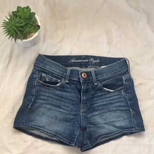 American Eagle stretch jean shorts women's size 0